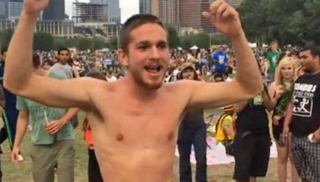 Video: Naked guy at an Austin Reggae festival