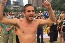 Video: Naked guy at an Austin Reggae festival